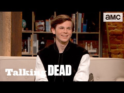 'A New Look for Chandler Riggs' Highlights Ep. 809 | Talking Dead