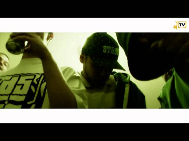 Whoa-TV: Stockholmssyndromet med Aki  I din trappuppgång (streetvideo)