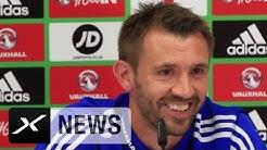 Witzige Szene: Gareth McAuley kämpft mit Namen von Polen-Star   Polen - Nordirland   EM 2016