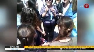 В годовщину депортации в Симферополе спели крымскотатарские песни