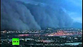 Tempête de sable immense sur Phoenix, Arizona (USA) thumbnail