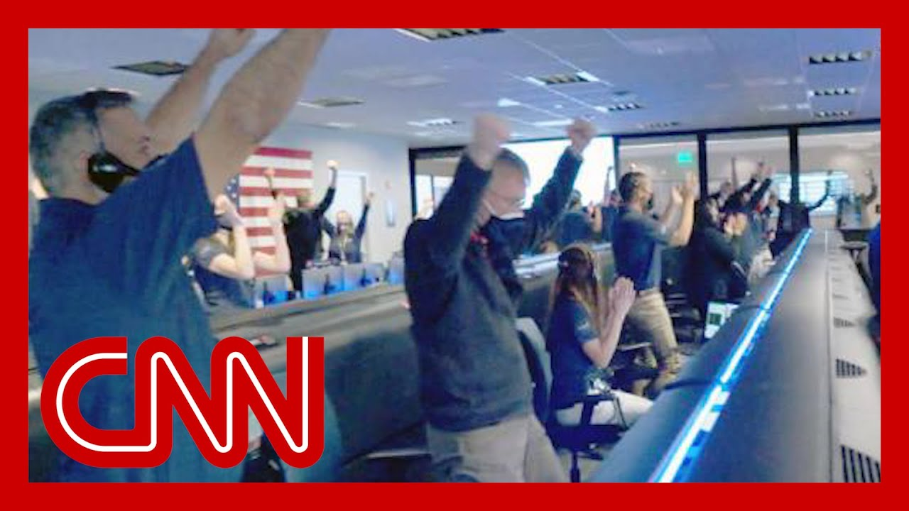 NASA team cheers after successful Mars rover landing