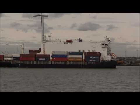 Thames Shipping by Richie Sloan, The DS BLUE OCEAN, Container ship.
