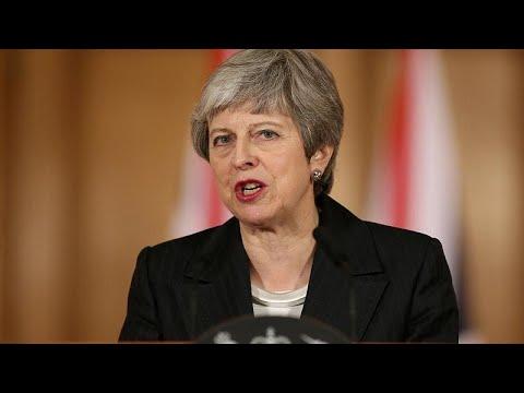 Theresa May culpa deputados por crise do Brexit