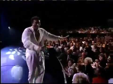 Smokey Robinson -  Just To See Her LIVE