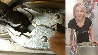 how to tighten a loose kitchen faucet moen delta american standard kohler