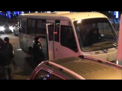 После нападения антимайдана. На улице у кафе. hq.rv 16.01.2015