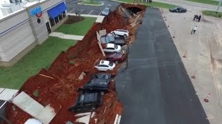 Massive hole swallows 12 cars near Mississippi IHOP