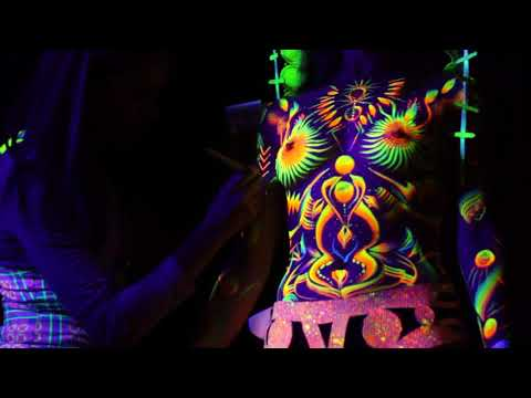 UV World Champion Andra Budaie (aka Inner Colour) Live UV Body Painting @ Babylon Festival 2018
