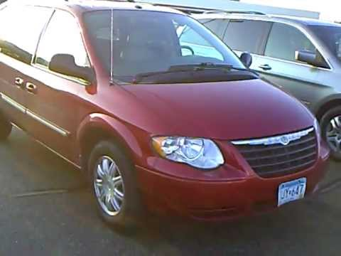 2006 Chrysler Town Country Minivan