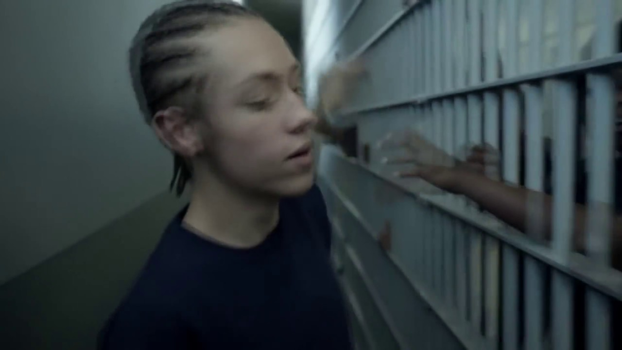 Четырнадцати лет пацан попал в тюрьму