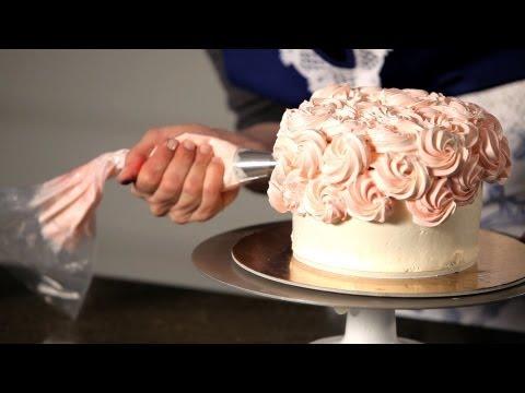 how-to-do-a-swirl-design- -wedding-cakes