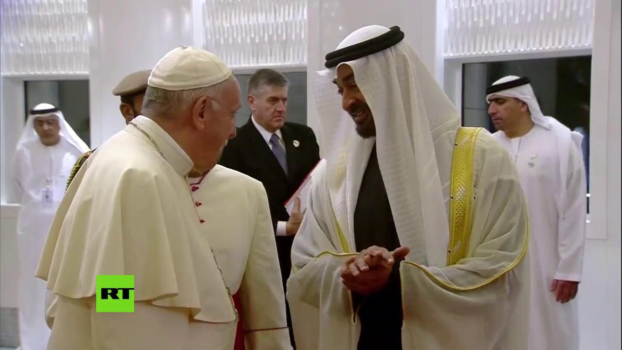 El papa Francisco llega a Emiratos Árabes Unidos en una histórica visita a la península arábiga