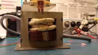 Самодельная точечная сварка аккумуляторов(Из трансформатора от микроволновки 750 Ват, вторичку мотал проводом БПВЛ 16 квадратов, 4 витка, на выходе 3.6..., 2015-10-19T18:54:22.000Z)
