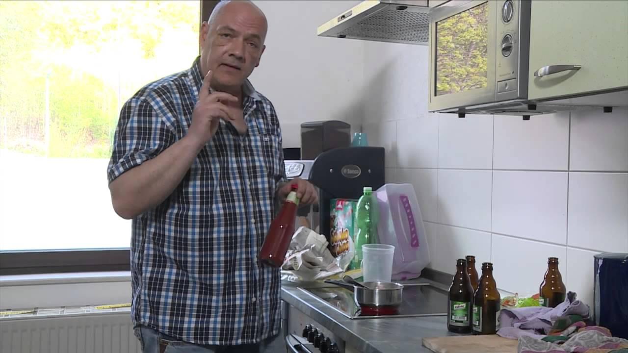 Beim Dreier entsaften zwei betrunkene Bitches Egon Kowalski
