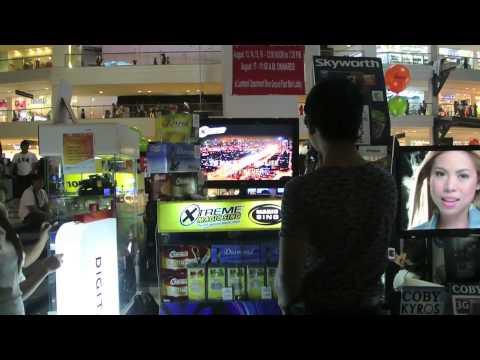 Bruno Mars doing karaoke inside a Mall?