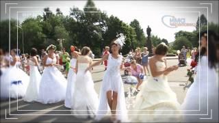 Парад невест и детских колясок