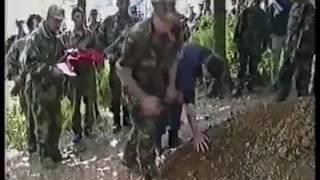 Video nga koha e luftës: Agim Çeku dhe Kadri Veseli në uniforma të UÇK'së
