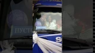 В Чебоксарах молодожены вместо лимузина выбрали тягач