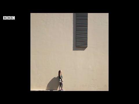 الفوتوغرافي سيرج نجار والتصوير من خلال فن البساطة | بي بي سي إكسترا  - نشر قبل 3 ساعة