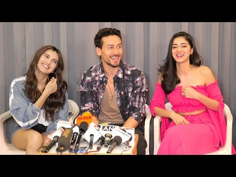 Tiger Shroff Off Camera MASTI with Ananya Panday & Tara Sutraria @Student Of The Year 2  Promotions