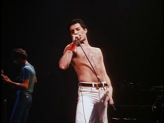 Queen - Dragon Attack - Live in Montreal 1981