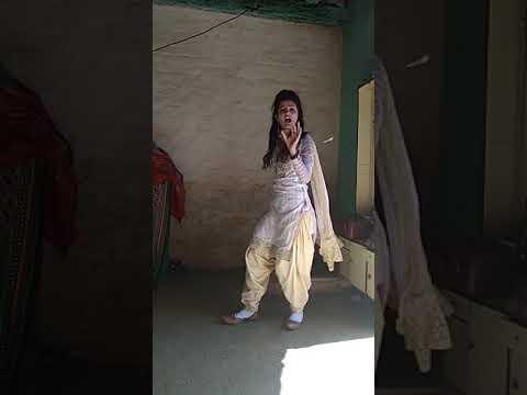 Ek Foji Gel Mera Seen Se Piyaara Dance