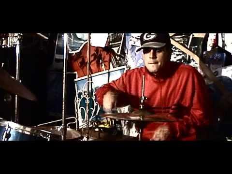 Clipe especial da banda de hardcore Smoking Less - Esqueça Tudo mp3