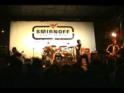 311-live-in-downtown-chicago---oct-21,-2003-(part-9---creatures-for-a-while)