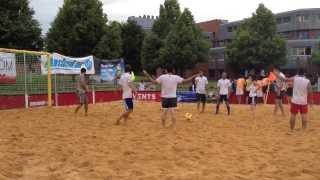 Пляжный футбол.Гол с пенальти
