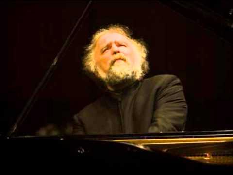 Radu Lupu plays Schumann's Piano Concerto 1st Movement