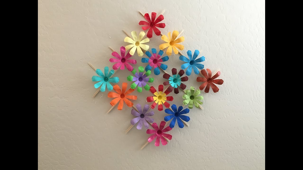 Recycle : Plastic Water Bottle Wall Decor