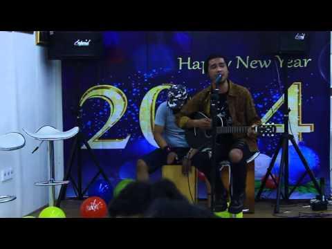 TOGAR - i don't wanna think about you (Rod Steward) - Indonesian Idol 2014 - Malam Tahun Baru