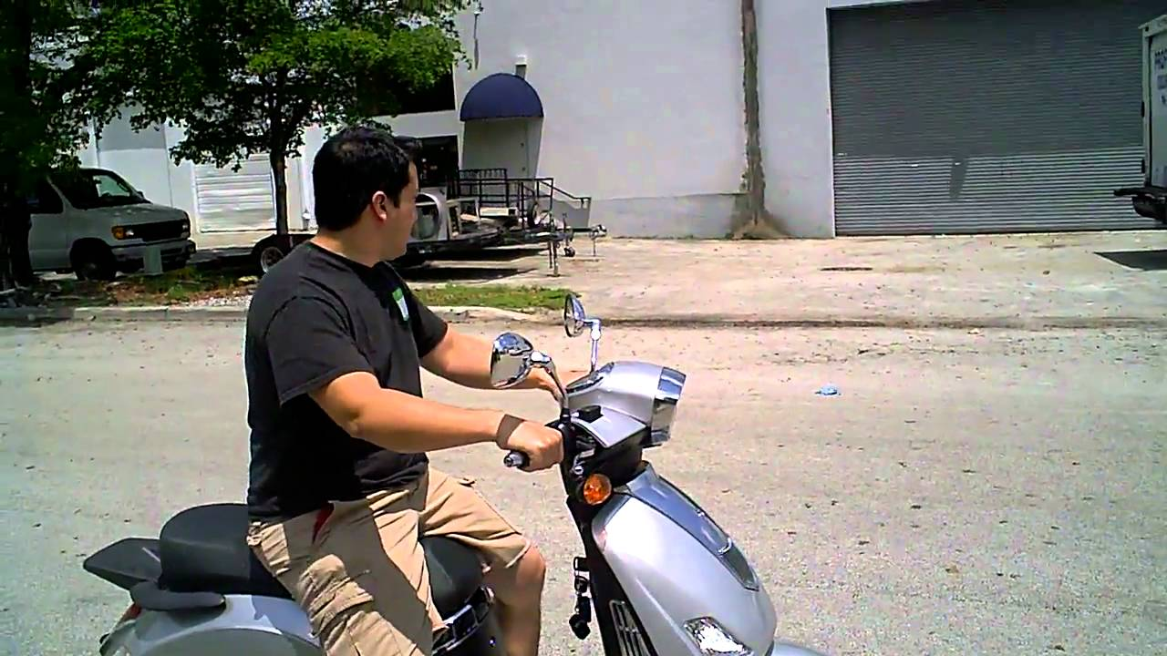 znen 150cc scooter test drive [ 1280 x 720 Pixel ]