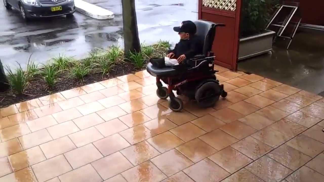 Drift Na Elektrycznym Wózku Inwalidzkim Youtube