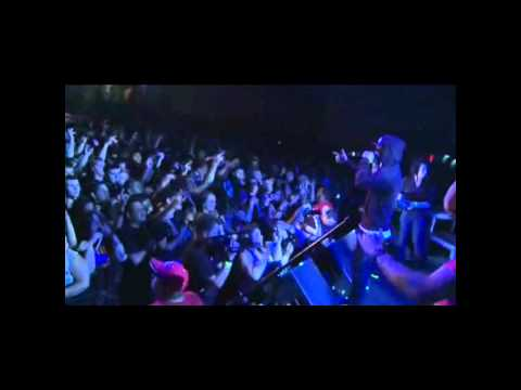 Hollywood Undead - Bottle and a Gun *live*