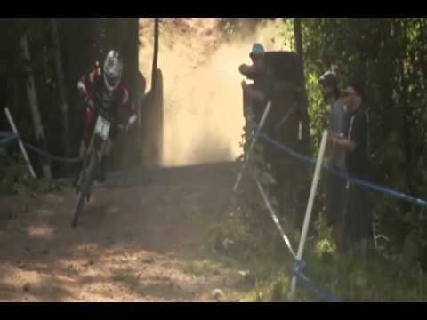Emmeline Ragot crash on last jump and Aaron Gwin near miss down Peaty's Plunge, at Windham 2012