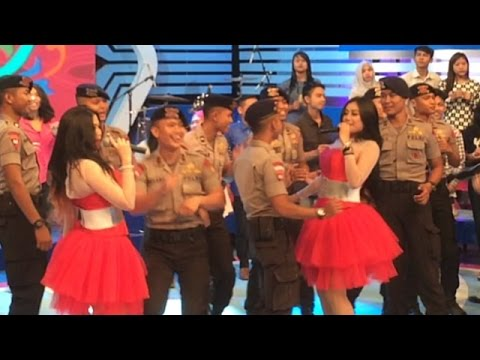 Duo Serigala Live - Bawa Lagu Abang Goda Di Dahsyat RCTI