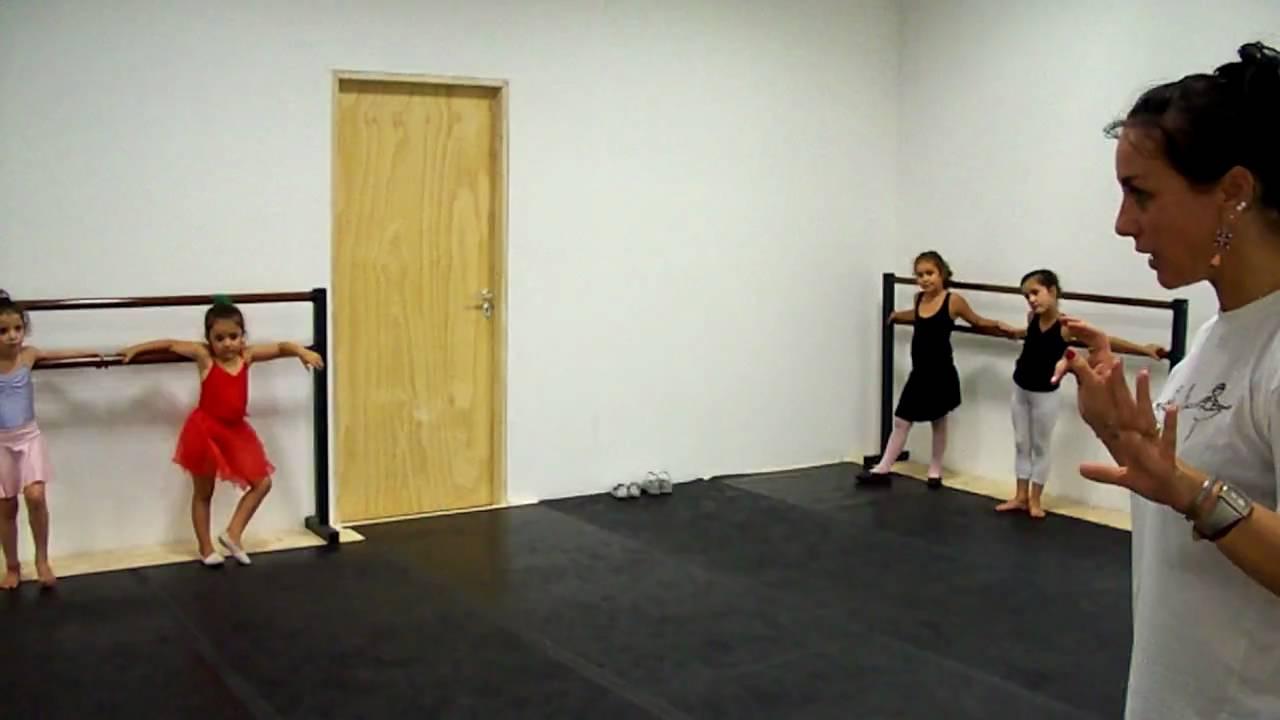danzas cl225sicas para ni241as de 5 y 6 a241os youtube