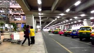 Suvarnabhumi BKK Airport guide you from Baggage Claim to Taxi Stand Tips Info - Phil in Bangkok