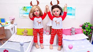 Doll Sisters Dress up with Pajamas Like Rudolf Reindeer by Play Toys!