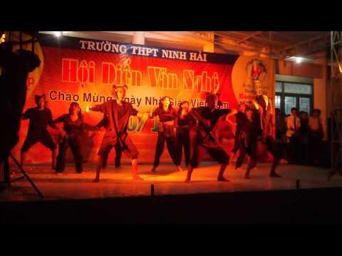 nhảy bắc kim thang + bống bống bang bang / lớp 12a4 trường THPT Ninh Hải