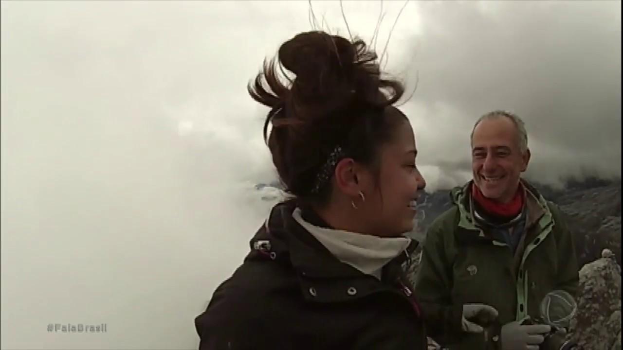 Pai e filha alcançam o topo do Monte Everest