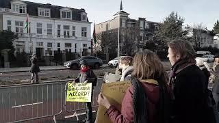 SCHONEKLEREN demonstratie en brief aan Ambassade van Bangladesh in Den Haag Clean Clothes Campaign
