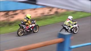 lihat aksi Dheyo Wahyu M Diandra latihan road race di sirkuit bukit peusar