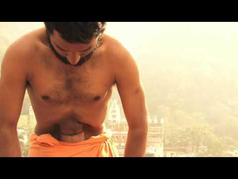 Impressive Yoga Skills: Yogamaster Rishikesh Sudhir Anand