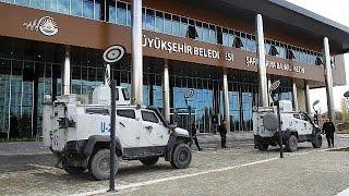 Mardin ve Siirt belediyelerine kayyum, Van Belediye Başkanı'na gözaltı