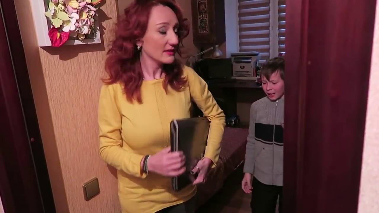 Мамочка поймала сына за фото 294-295