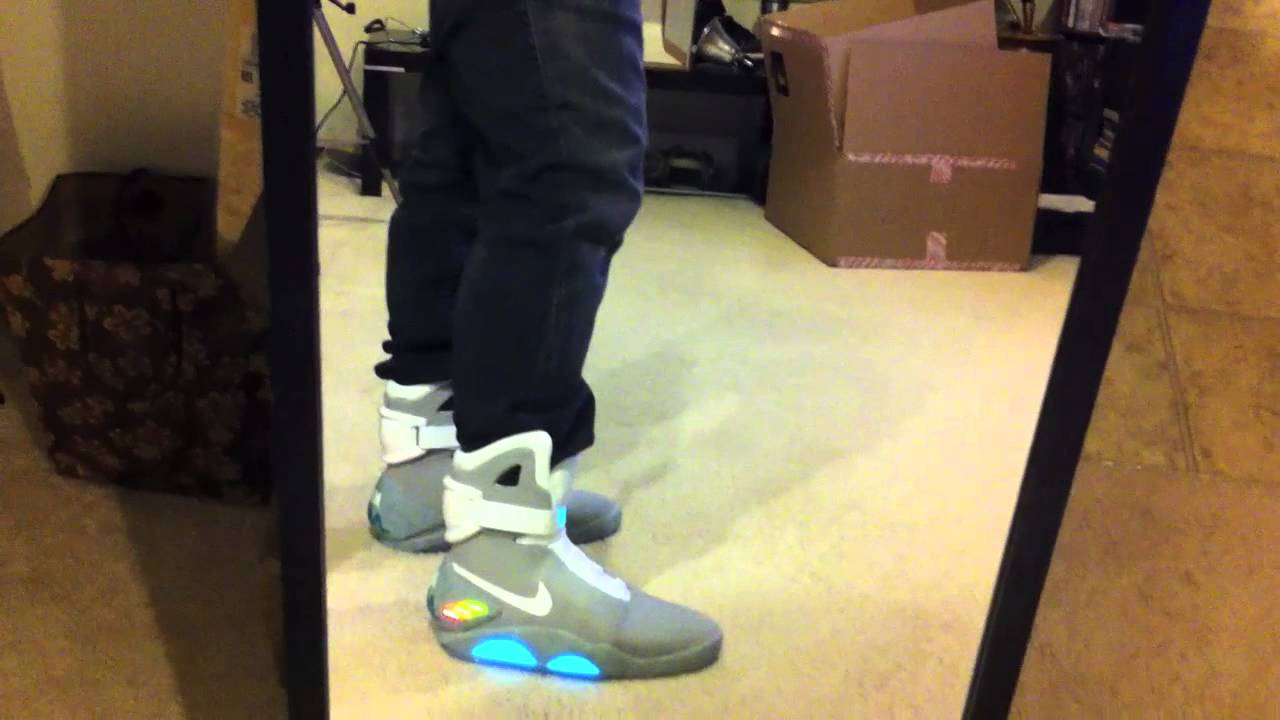 separation shoes c2077 bf621 Nike AIR MAG On Feet Footage