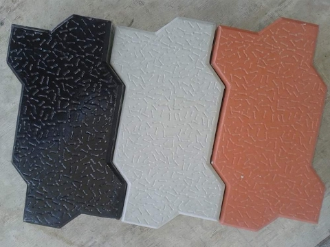 How To Release The Precast Concrete Paver From Plastic Moulds